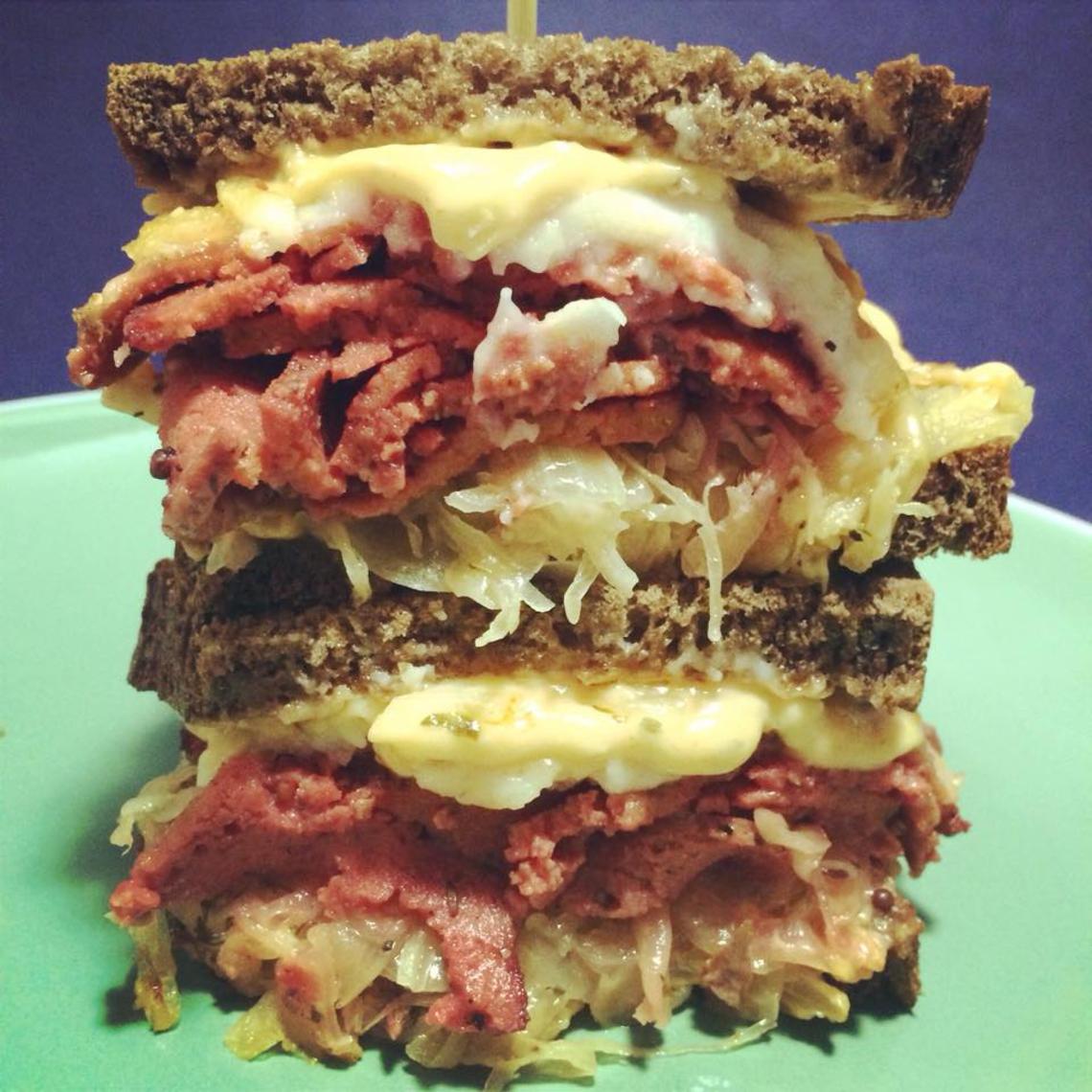 Le fameux sandwich vegan Reubenstein